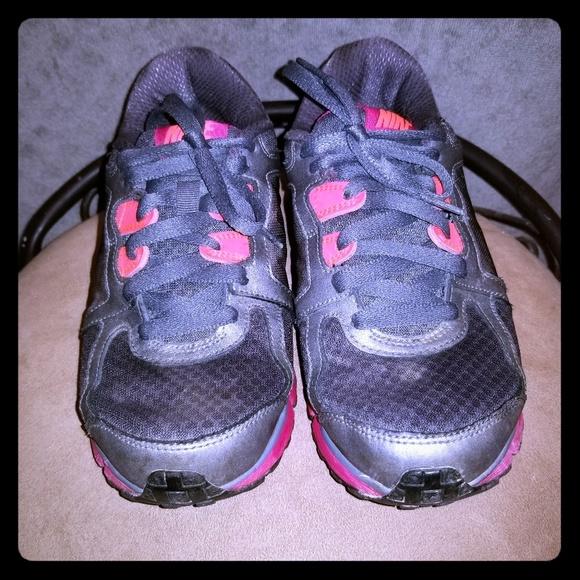 acheter en ligne 6ba16 43b41 5/$30 Women's Nike athletic shoes sz 8. EUC